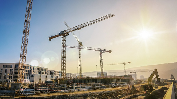 shutterstock_559826938_construction_site2_600px